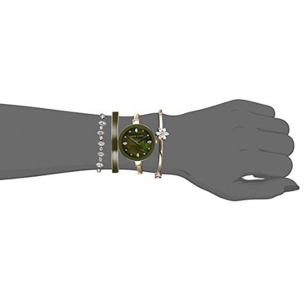 Watch and bracelet front view
