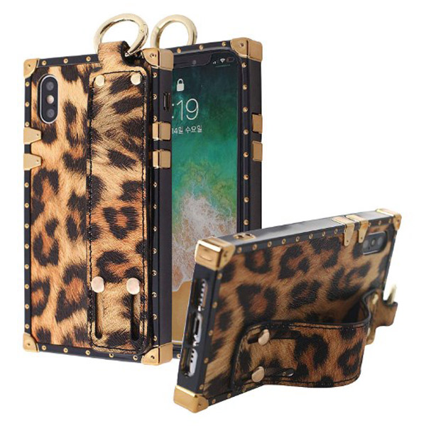 iPhone XS Max Leopard Hand Strap Case